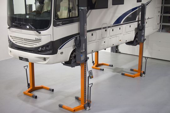Mobile column lift EHB1003V11DC-wireless, especially for motor homes, capacity 4 x 3 t